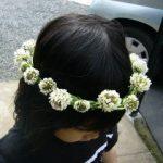 シロツメグサの花の冠 髪飾りの作り方