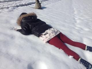 雪の人型の遊び方