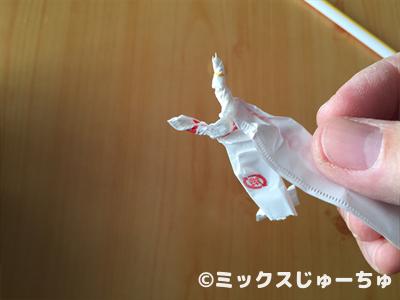 ストローの袋で動く人形04