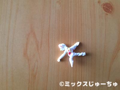 ストローの袋で動く人形06