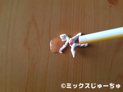 ストローの袋で動く人形08