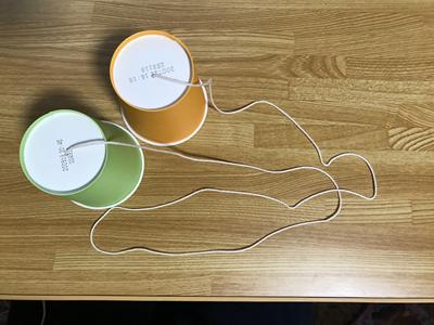 紙コップの糸電話